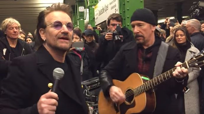 U2-concerto-metro-berlino-2017-end-of-a-century-foto