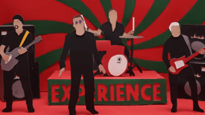 U2-get-out-of-your-own-way-video-trump-end-of-a-century-foto