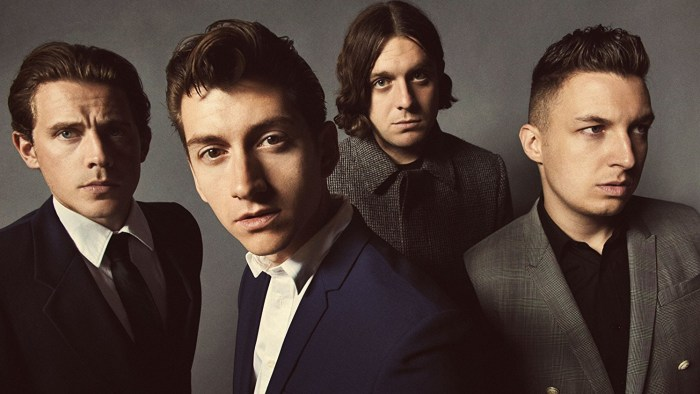 arctic-monkeys-album-uscita-2018-end-of-a-century-foto.jpg