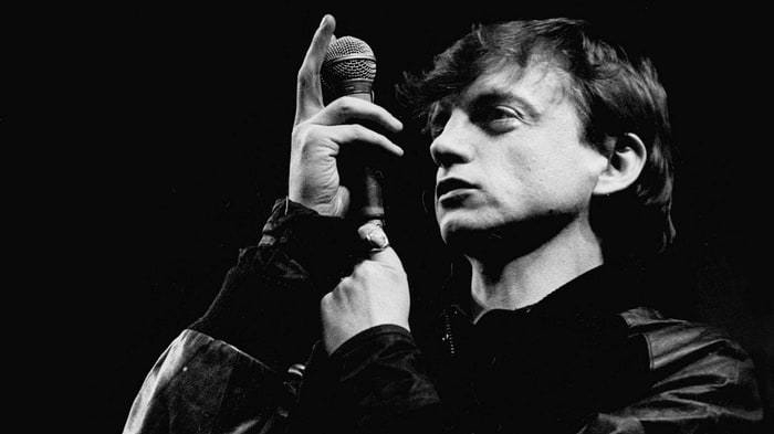 mark-e-smith-the-falls-morto-end-of-a-century-foto