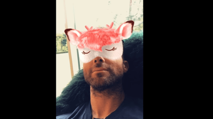 maroon-5-wait-video-snapchat-end-of-a-century-foto
