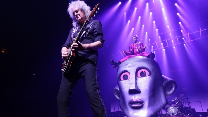 Queen-adam-lambert-milano-concerto-foto