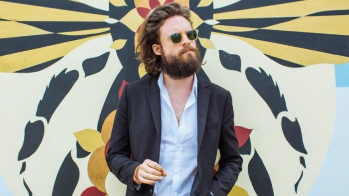 father-john-misty-mr-tillman-canzone-end-of-a-century-foto