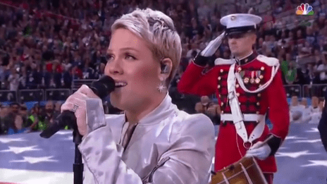 pink-super-bowl-2018-video-end-of-a-century-foto