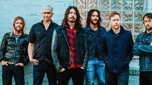 foo-fighters-lennon-van-halen-canzone-end-of-a-century-foto