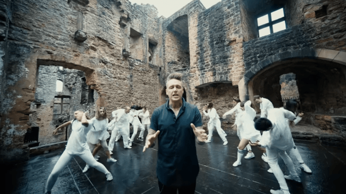 papa-roach-none-of-the-above-video-end-of-a-century-foto