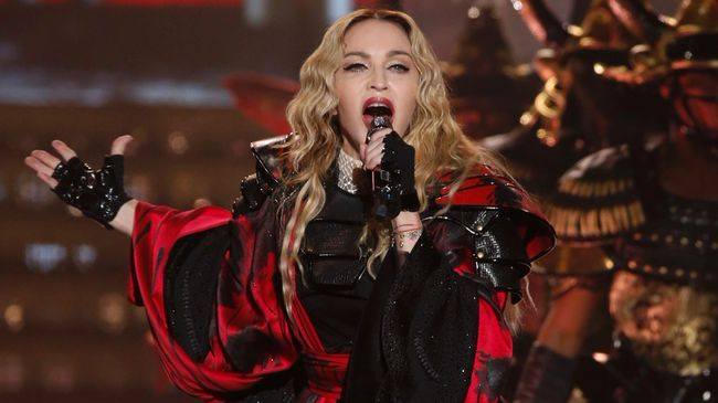 Madonna foto nuovo singolo Beautiful Game