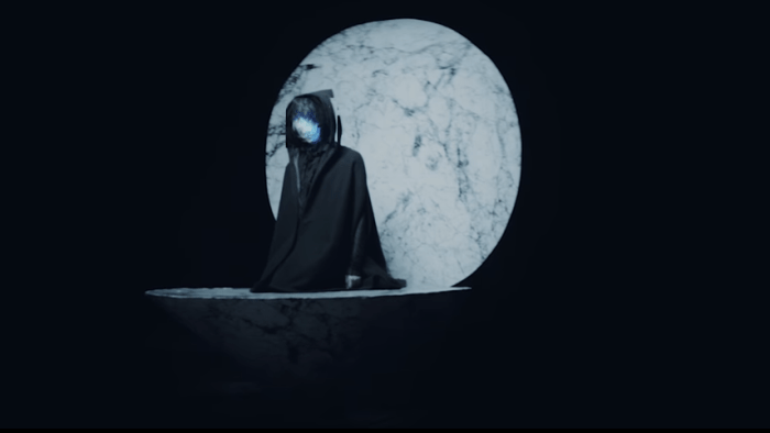 "Virtual Self video di ""Ghost Voices"""