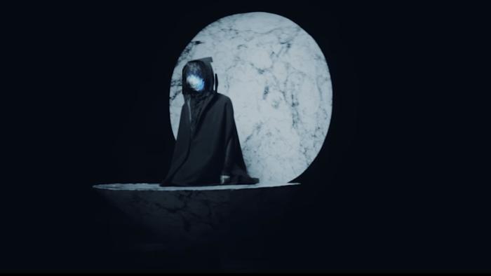 "Virtual Self video di ""Ghost Voices"""