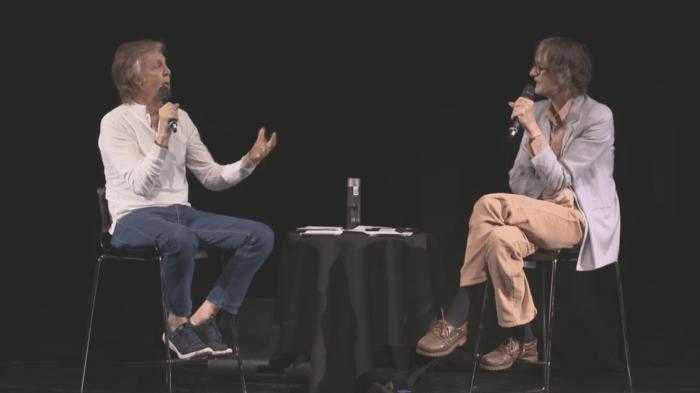 "paul mccartney intervistato da jarvis-cocker ""casual conversation"" al liverpool institute of performing arts"