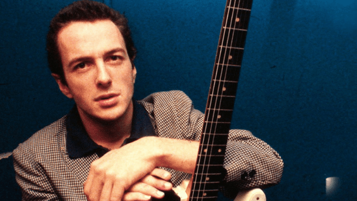 """Rose Of Erin"" è la canzone colonna sonora del film ""When Pigs Fly"" del 1993 contenuta nel best of ""Joe Strummer 001"""