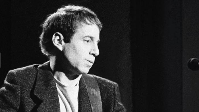 """Paul Simon, nuova versione di """"Can't Run But"""" del 1990 presente nel nuovo album """"In The Blue Light"""""""