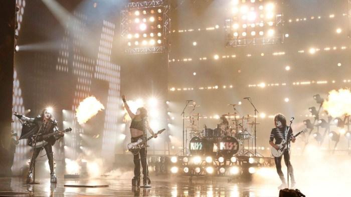 """I Kiss annunciano """"End Of The Road - World Tour"""" tour d'addio in cui celebreranno i 45 anni di carriera e saluteranno i fan"""