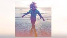 """Lenny Kravitz è tornato con il nuovo e undicesimo album in studio dal titolo """"Raise Vibration"""" contenente la hit estiva """"Low"""""""