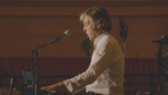 """Paul McCartney ha presentato il nuovo album """"Egypt Station"""" in concerto alla Grand Central Station di New York"""