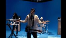 """Weird AlYankovic è Rivers Cuomo nel video di """"Africa"""" dei Toto suonata dai Weezer"""