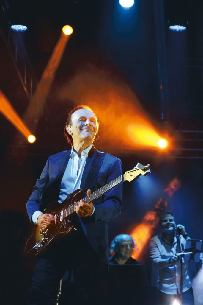 """Dodi Battaglia in tour nei teatri italiani con """"Perle - Mondi Senza Età"""""""
