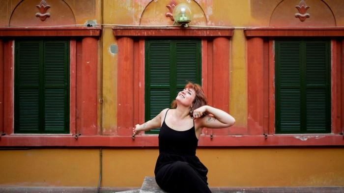 """Chiara Monaldi è tornata con il nuovo singolo """"Compleanni"""" che anticipa l'album d'esordio per Bravo Dischi"""