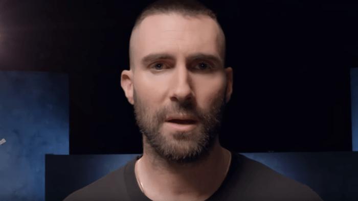 """I Maroon 5 hanno pubblicato la nuova versione del video di """"Girls Like You"""" con Millie Bobby Brown, Mary J Blige, Jennifer Lopez e molte altre"""