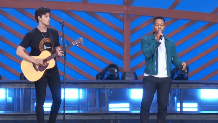 "Shawn Mendes suona insieme a John Legend ""Youth"" al Global Citizen Festival di New York"