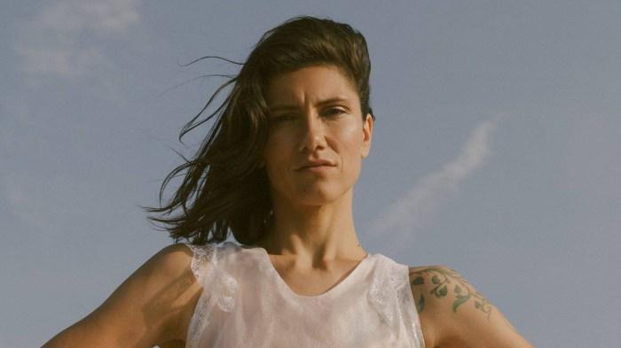 """Elisa annuncia nuove date in Sardegna e raddoppia dieci concerti del """"Diari Aperti Tour"""""""