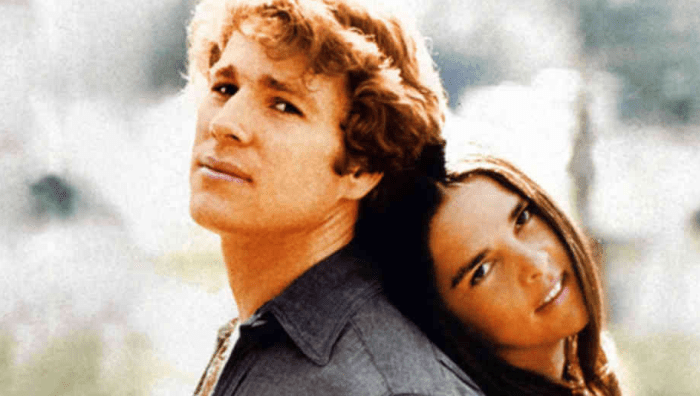 """Ryan O'Neil e Ali MacGraw, interpreti del film """"Love Story"""" la cui colonna sonora è composta da Francis Lai, morto giovedì 8 novembre 2018 a 86 anni"""