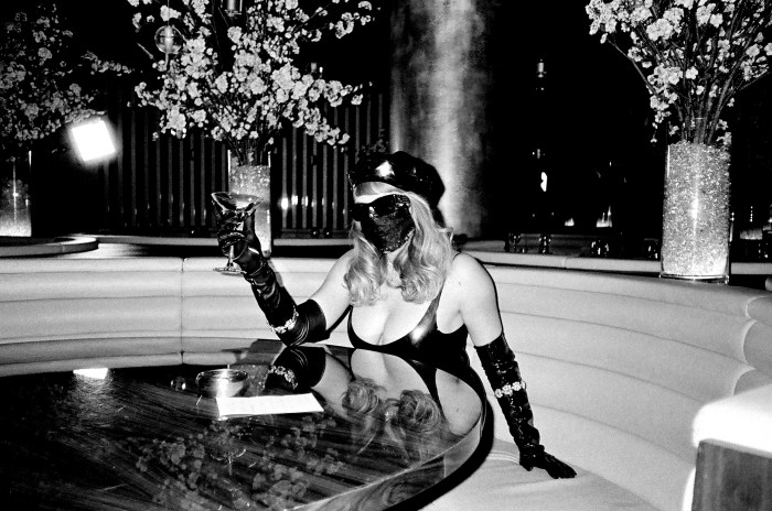 """Myss Keta torna con il video di """"Ultima Botta a Parigi"""""""