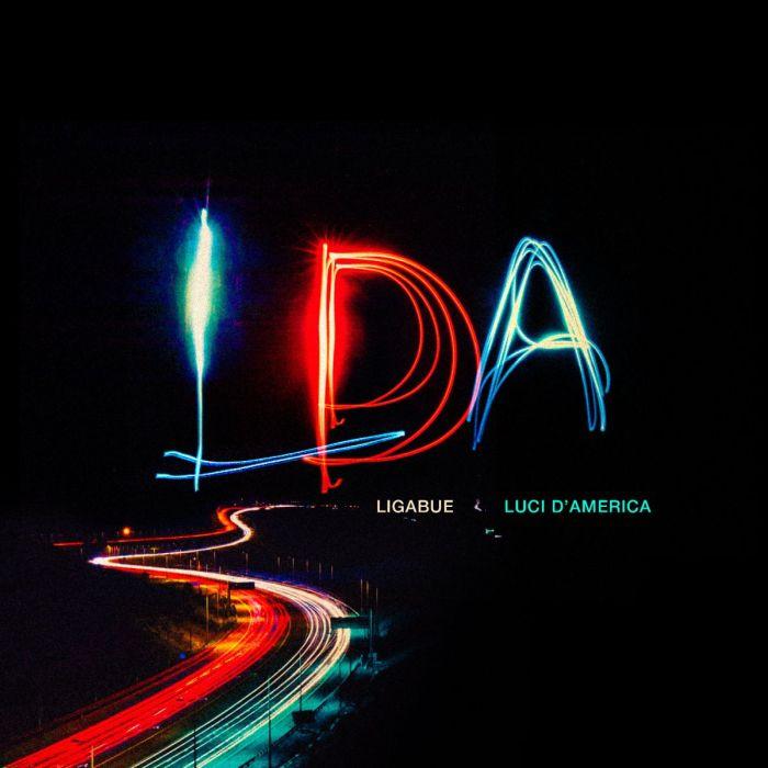 """Ligabue è tornato con il nuovo singolo """"Luci D'America"""" che anticipa il dodicesimo disco di inediti"""
