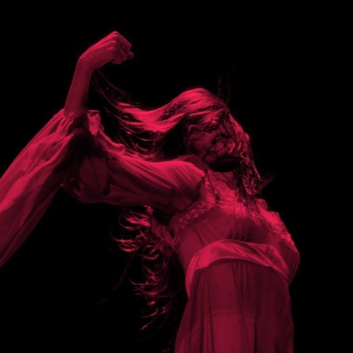"""Moderation"" e ""Haunted House"" sono i due brani inediti di Florence and the Machine"