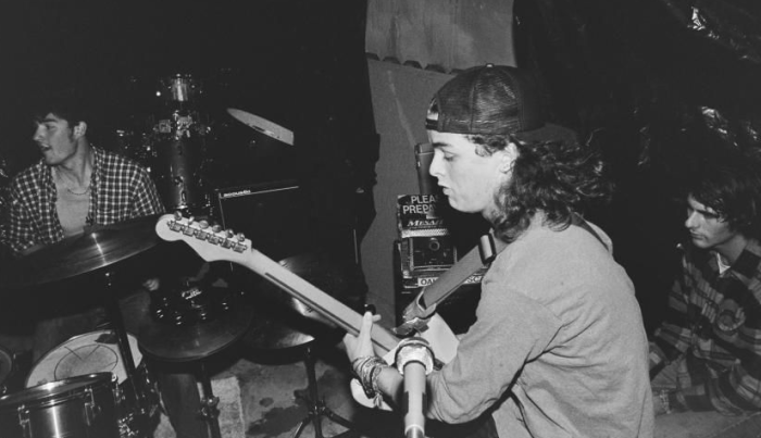 """""""Stay"""", """"Maybe Forever"""" e """"Jennifer"""" sono i tre inediti live dei Green Day risalenti al periodo 1989"""