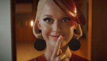 """Katy Perry è un robot nel nuovo video di """"365"""" insieme a Zedd"""