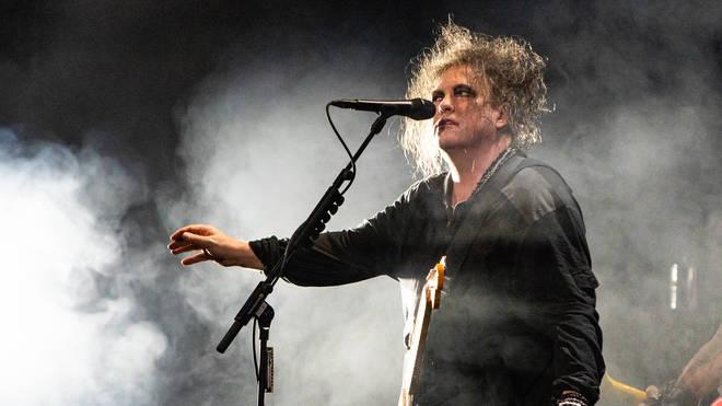 """I Cure celebrano i 30 anni di """"Disintegration"""" con 4 concerti alla Sydney Opera House"""