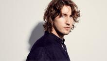 """""""A Place We Knew"""" è l'album di debutto del cantautore australiano Dean Lewis"""