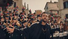 """Marco mengoni torna con il nuovo video """"Muhammad Ali"""" girato a Ronciglione"""