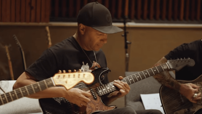 Nuno Bettencourt, Tom Morello e Scott Ian suonano la colonna sonora di Game Of Thrones