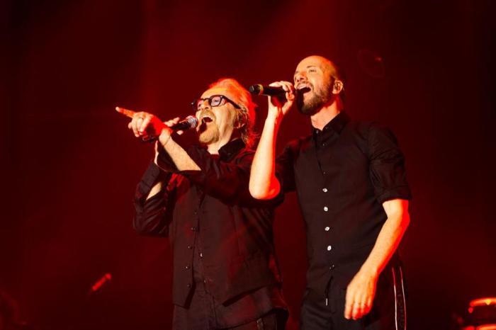 Raf e Umberto Tozzi sono partiti in tour nei palasport per quasi 3 ore di concerto