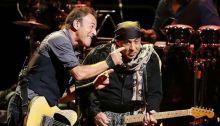Bruce Springsteen sul palco di Little Steven per suonare insieme al Saban Theatre di Beverly Hills