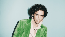 """Mika annuncia il nuovo album """"My Name Is Michael Holbrook"""": ecco il singolo """"Ice Cream"""" e le date del """"Revelation Tour"""""""