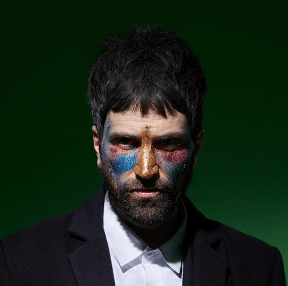 """Serge Pizzorno pubblica il primo singolo solista come The S.L.P. dal titolo """"Favourites"""" feat. Little Simz"""