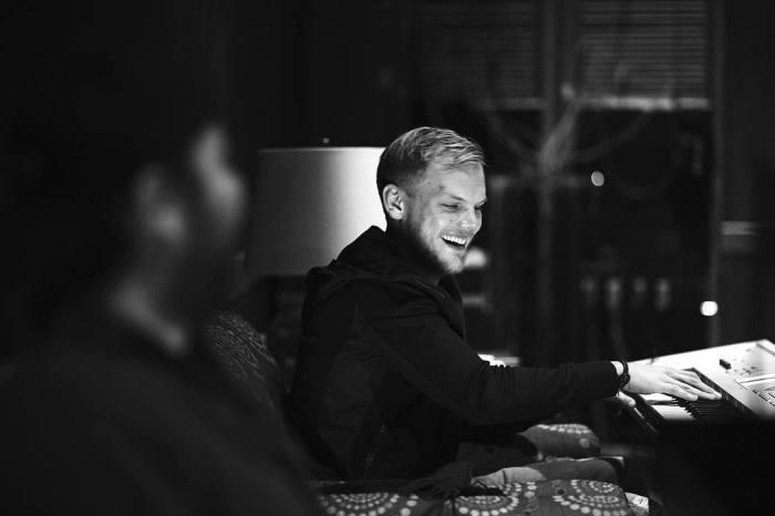 """Pubblicato oggi l'album postumo di Avicii dal titolo """"TIM"""""""