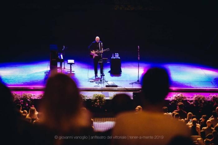 Billy Corgan si è esibito all'Anfiteatro del Vittoriale: scaletta dello show