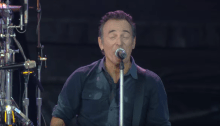 """Bruce Springsteen pubblica su Youtube il disco live """"Born In the USA"""" suonato a Londra nel 2013"""