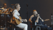 "Phil Collins e Mike Rutherford suonano insieme dopo 12 anni ""Follow You Follow Me"" dei Genesis"