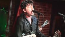 The Longshot suonano tre cover dei green Day in California