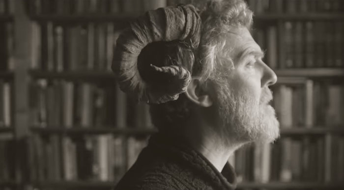 "Glen Hansard pubblica il video del singolo ""Race To The Bottom"""