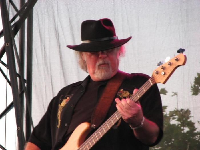 Larry Junstrom è morto a 70 anni, ex bassista di Lynyrd Skynyrd e .38 Special