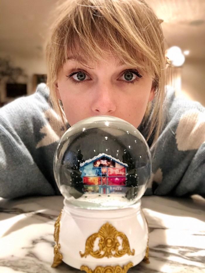 "Taylor Swift video ""Christmas Tree Farm"""