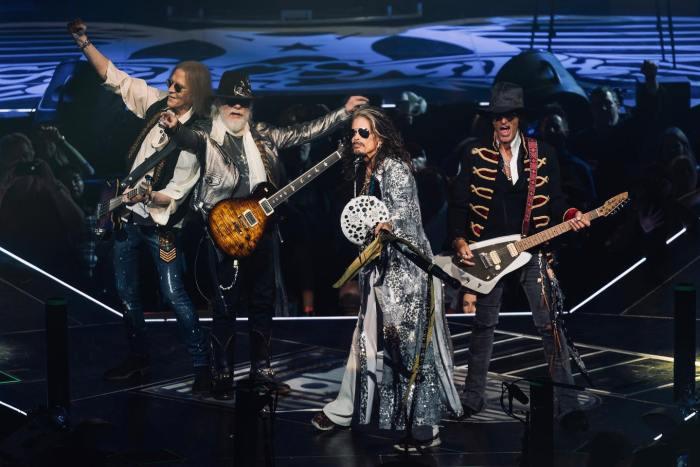 Aerosmith festeggiano 50 anni di carriera a Fenway Park, Boston
