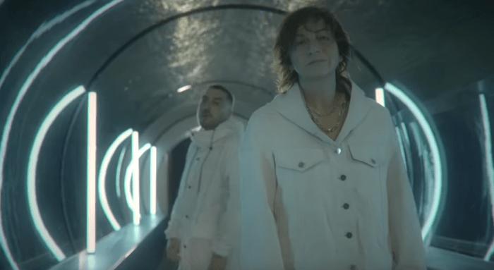 "Gianna Nannini e Coez nel video di ""Motivo"""