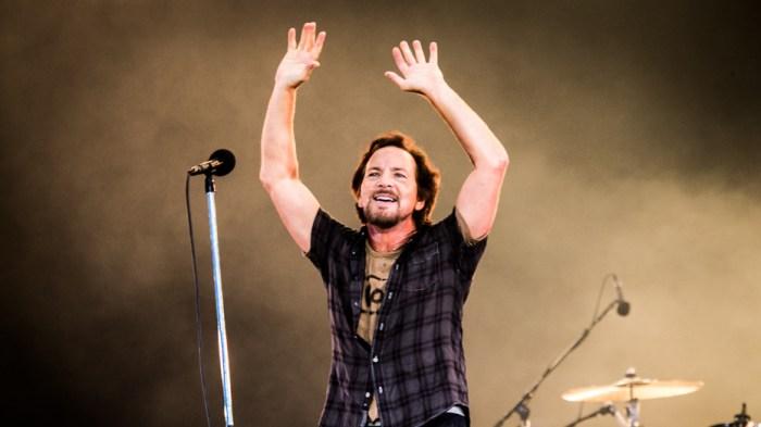 """Pearl Jam, linea telefonica per ascoltare in anteprime """"Gigaton"""""""